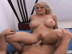 Blonde Candy Manson with big boobs and shaved bush kills time dildoing her muff pie for webcam