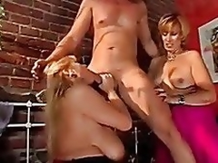 Group sex with mature babes - 6