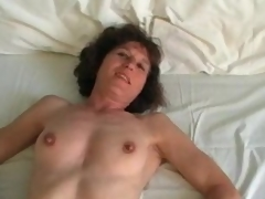 Mature in stockings plays with 10-Pounder